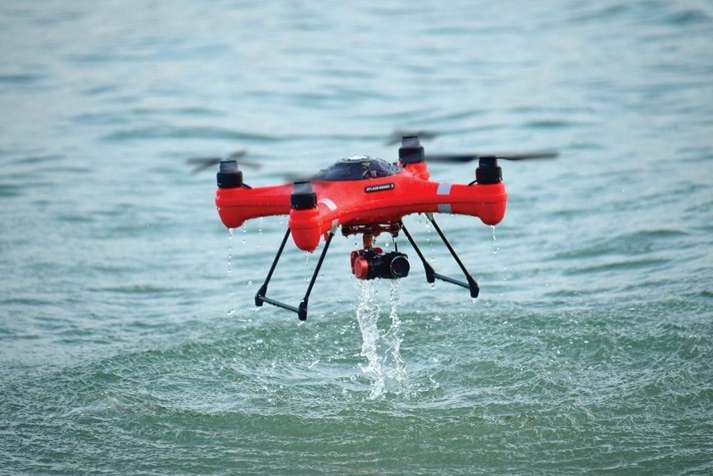 Tips Menerbangkan Drone Saat Hujan